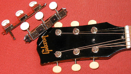 Vintage-style 3-on-Plate Tuners_e0053731_184222.jpg