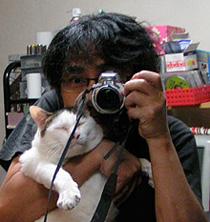 「ぶつぶつ独り言2(うちの猫ら2006)」のkachimoさん登場!_c0039735_1149198.jpg
