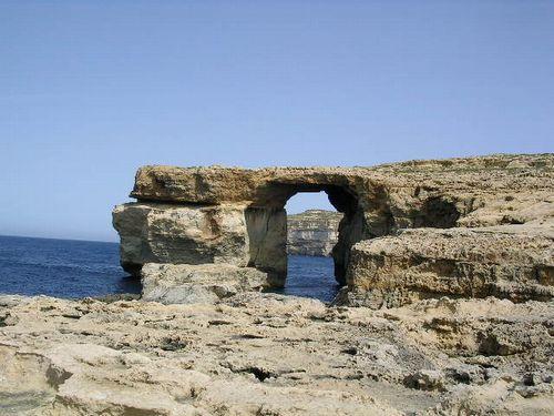 南イタリア(7) 世界遺産の島マルタとピアスデビュー_f0060461_20562256.jpg