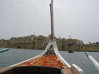 南イタリア(7) 世界遺産の島マルタとピアスデビュー_f0060461_9194320.jpg