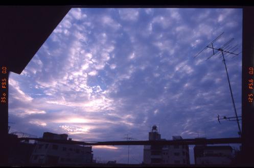 あの空の向こうに_c0036998_7145858.jpg