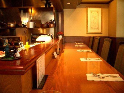 京橋 「ダズン・ロージス」 で特製ハヤシライス_a0039199_11485336.jpg