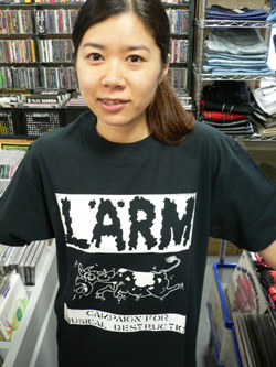 Tシャツでドドーン!!!_f0004730_1420256.jpg