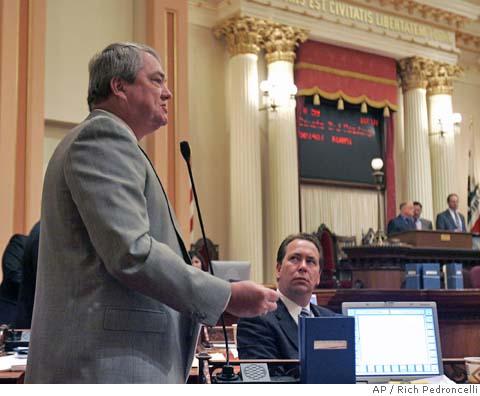 米カリフォルニア州「歴史教科書にLGBTの貢献を取り上げることを義務づける法案」議会上院で可決、下院へ2_d0066343_2335484.jpg