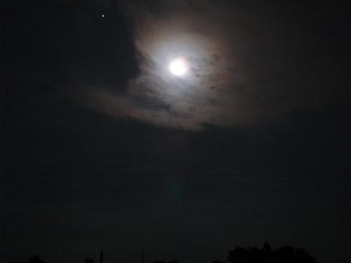 月を見て...。_d0068664_2247525.jpg