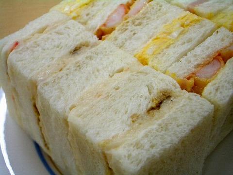 「赤トンボ」 の一口サンドイッチ_a0039199_1825875.jpg