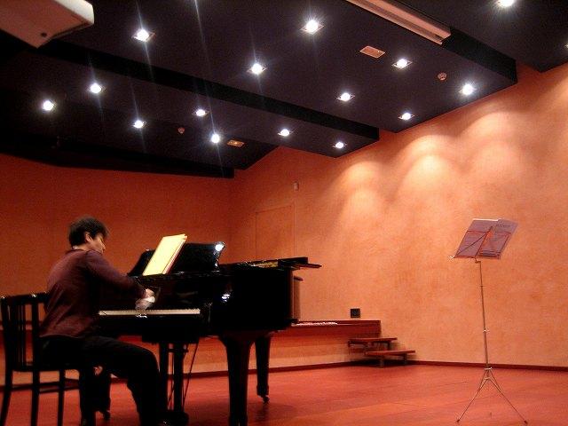 音楽学校のモーツァルトコンサート_b0064411_7524717.jpg
