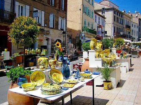 南仏の陶器市_b0041912_2191641.jpg