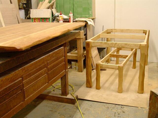 テーブル ベンチ 次の仕事_e0072513_640695.jpg