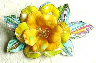 バティックの花が咲く_b0073937_14501132.jpg