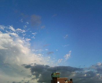 晴れのち雨のち晴れ_c0031975_0323488.jpg