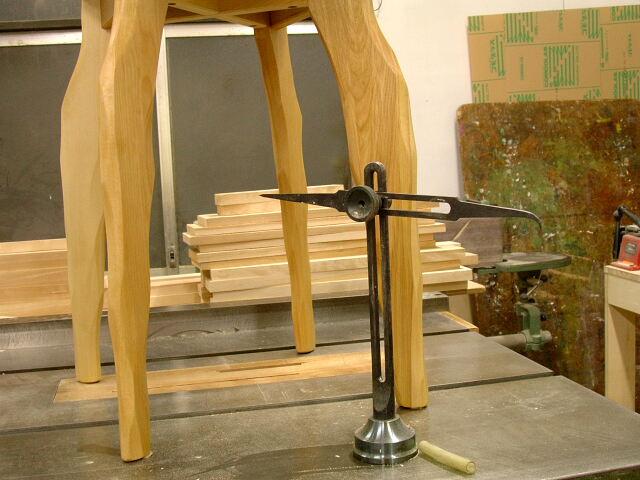 こねこ椅子補修 カウンターチェア テーブル天板_e0072513_73884.jpg