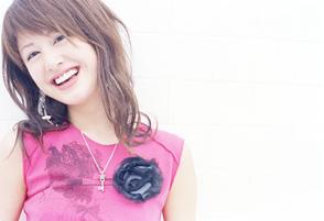 河辺千恵子、『桜蘭高校ホスト部』のOP曲「桜キッス」を語る!_e0025035_22492120.jpg