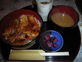 白樺の豚丼_c0030645_21214347.jpg
