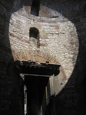 ディオクレティアヌス宮殿_b0106609_5153835.jpg
