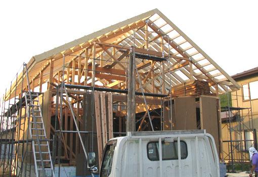 Q1の小坂の家02:屋根と軸_e0054299_15244720.jpg