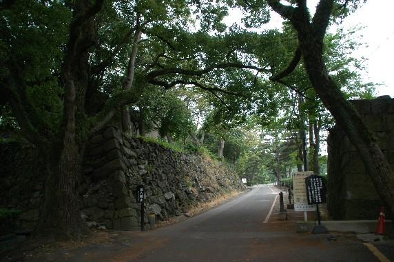 和歌山城公園への入口_b0093754_2315428.jpg