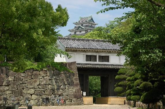 和歌山城公園への入口_b0093754_2353157.jpg