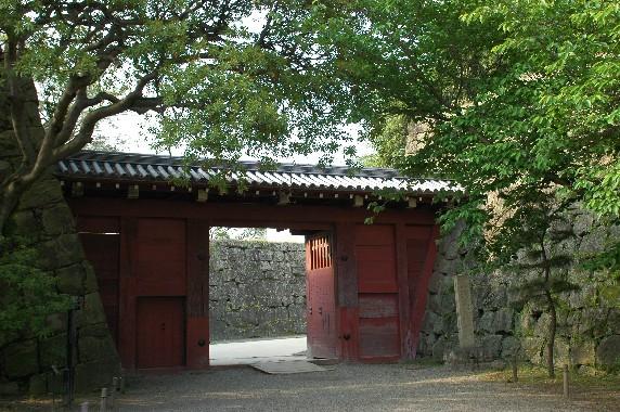 和歌山城公園への入口_b0093754_2382094.jpg