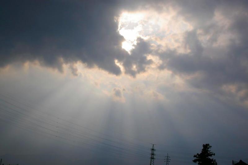雲の切れ間_e0074463_15215630.jpg