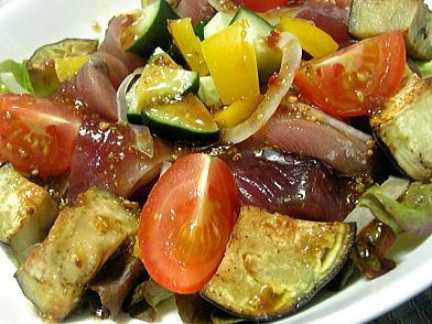 蓮根のアンチョビ焼き、トロカツオと水茄子のサラダ_d0020789_0261365.jpg