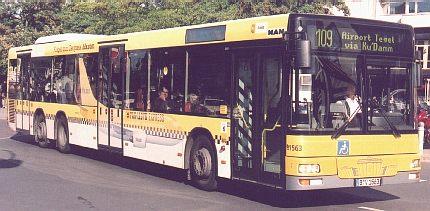 ベルリンのバス_e0030537_050639.jpg