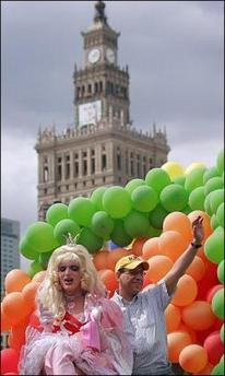ポーランド・ワルシャワ・プライド:6千人が参加(主催者発表)_d0066343_14341246.jpg