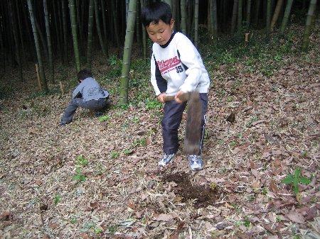 2006.Log Jizo Festival 筍掘り        ファミリーコース No1_c0038619_23112738.jpg