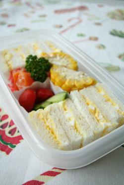 卵のサンドイッチ_b0048834_751767.jpg