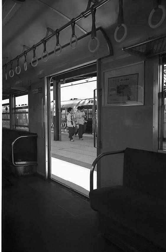 田舎の電車:エルマリート28mm(第一世代)_e0015690_23351791.jpg