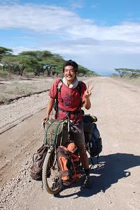 「藤暁之の世界一周自転車の旅blog」のfuji_akiyukiさん登場!_c0039735_110366.jpg