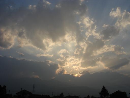 空は流れる_a0014840_2231448.jpg