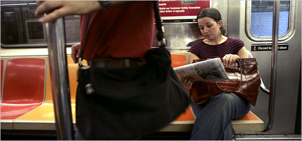 New York, US: Women Have Seen It All on Subway, Unwillingly_d0066343_10333572.jpg