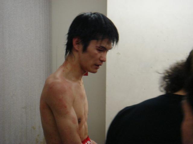 赤羽拳士3戦全勝(6/8 後楽園ホール B級トーナメント)_f0072287_1112395.jpg