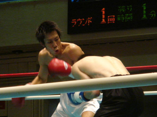 赤羽拳士3戦全勝(6/8 後楽園ホール B級トーナメント)_f0072287_11221698.jpg