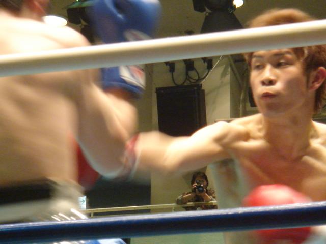 赤羽拳士3戦全勝(6/8 後楽園ホール B級トーナメント)_f0072287_11275965.jpg