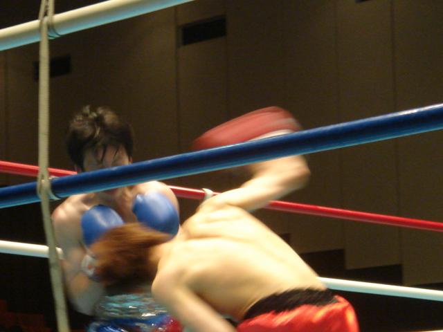 赤羽拳士3戦全勝(6/8 後楽園ホール B級トーナメント)_f0072287_1128423.jpg