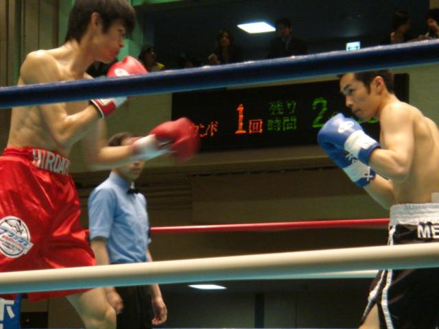 赤羽拳士3戦全勝(6/8 後楽園ホール B級トーナメント)_f0072287_1141670.jpg