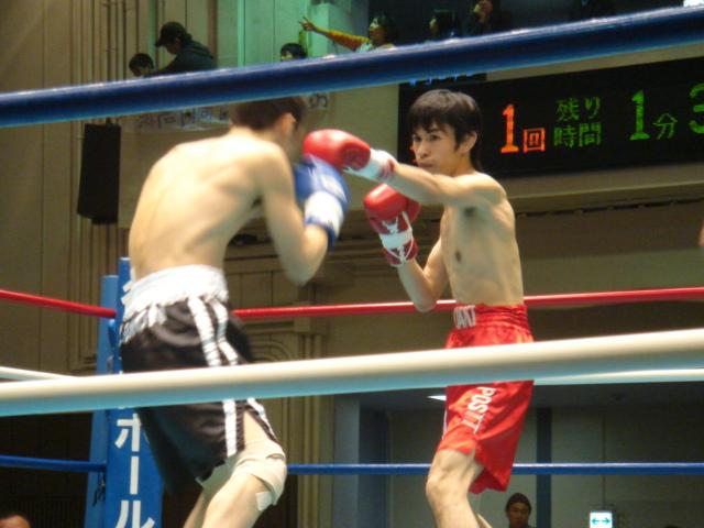 赤羽拳士3戦全勝(6/8 後楽園ホール B級トーナメント)_f0072287_115855.jpg