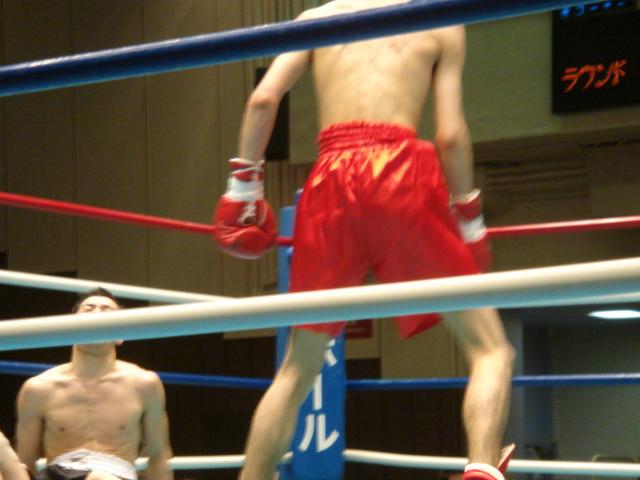 赤羽拳士3戦全勝(6/8 後楽園ホール B級トーナメント)_f0072287_1175224.jpg
