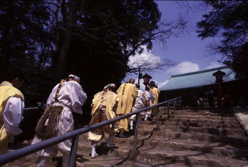 <第二十三番 深雪山 みゆきやま上醍醐寺>_a0045381_7473439.jpg