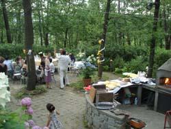 森の中での結婚パーティ_f0106597_1421943.jpg