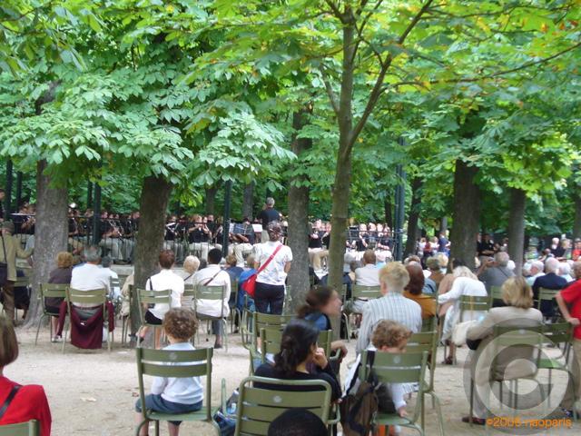 ■最近のリュクサンブルグ公園から_a0008105_447662.jpg