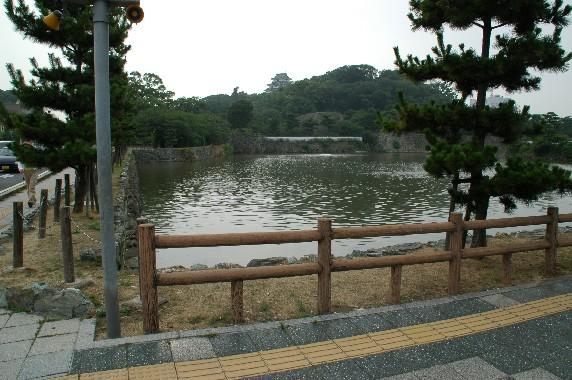 和歌山城の外周を歩こう  1_b0093754_22392989.jpg