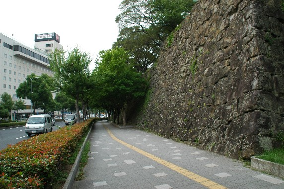 和歌山城の外周を歩こう  3_b0093754_2375743.jpg