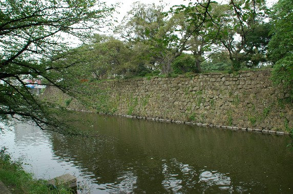 和歌山城の外周を歩こう  3_b0093754_2391251.jpg