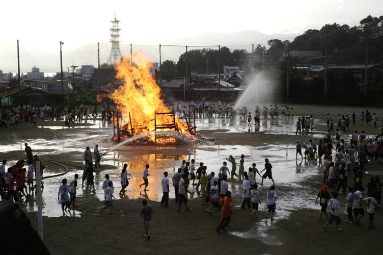火の祭り_f0042194_053197.jpg