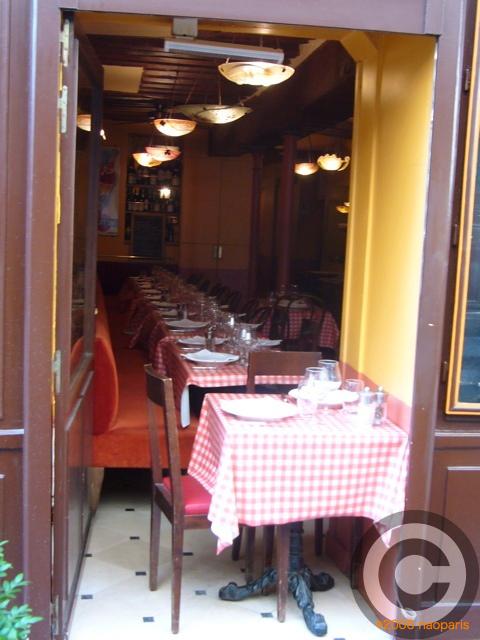 ■ウチの近所の評判のいいお店CHEZ FERNAND(パリ)_a0014299_19341100.jpg