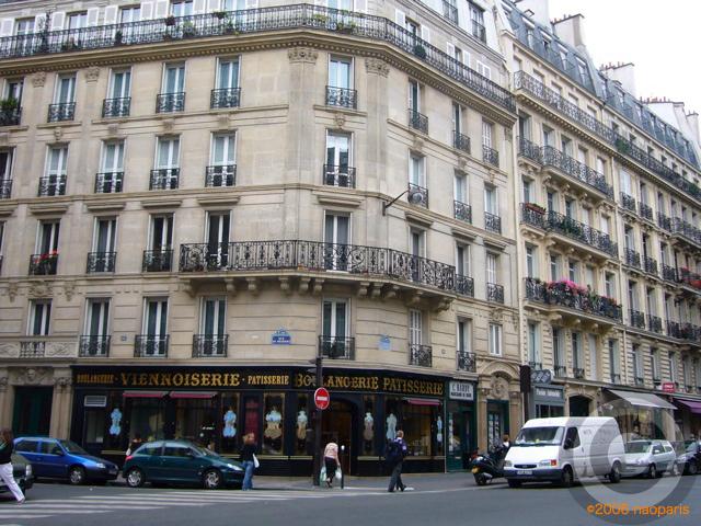 ■レンヌ通り(パリ6区75006)のパン屋_a0014299_0584094.jpg