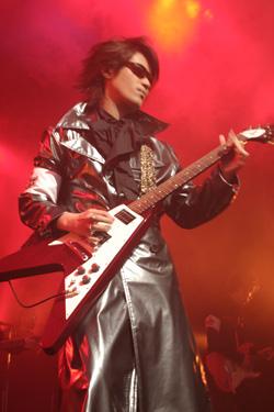 『Sound Horizon LIVE TOUR 2006-第一次領土拡大遠征-』追加公演レポート_e0025035_12341478.jpg